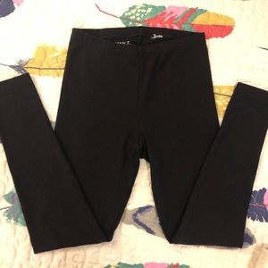 🆕☀️4/$15 <Danskin> Black Leggings